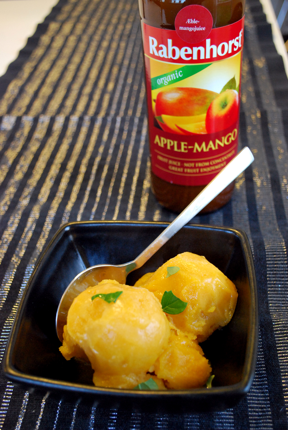 Æble/mango sorbet med hvidvin