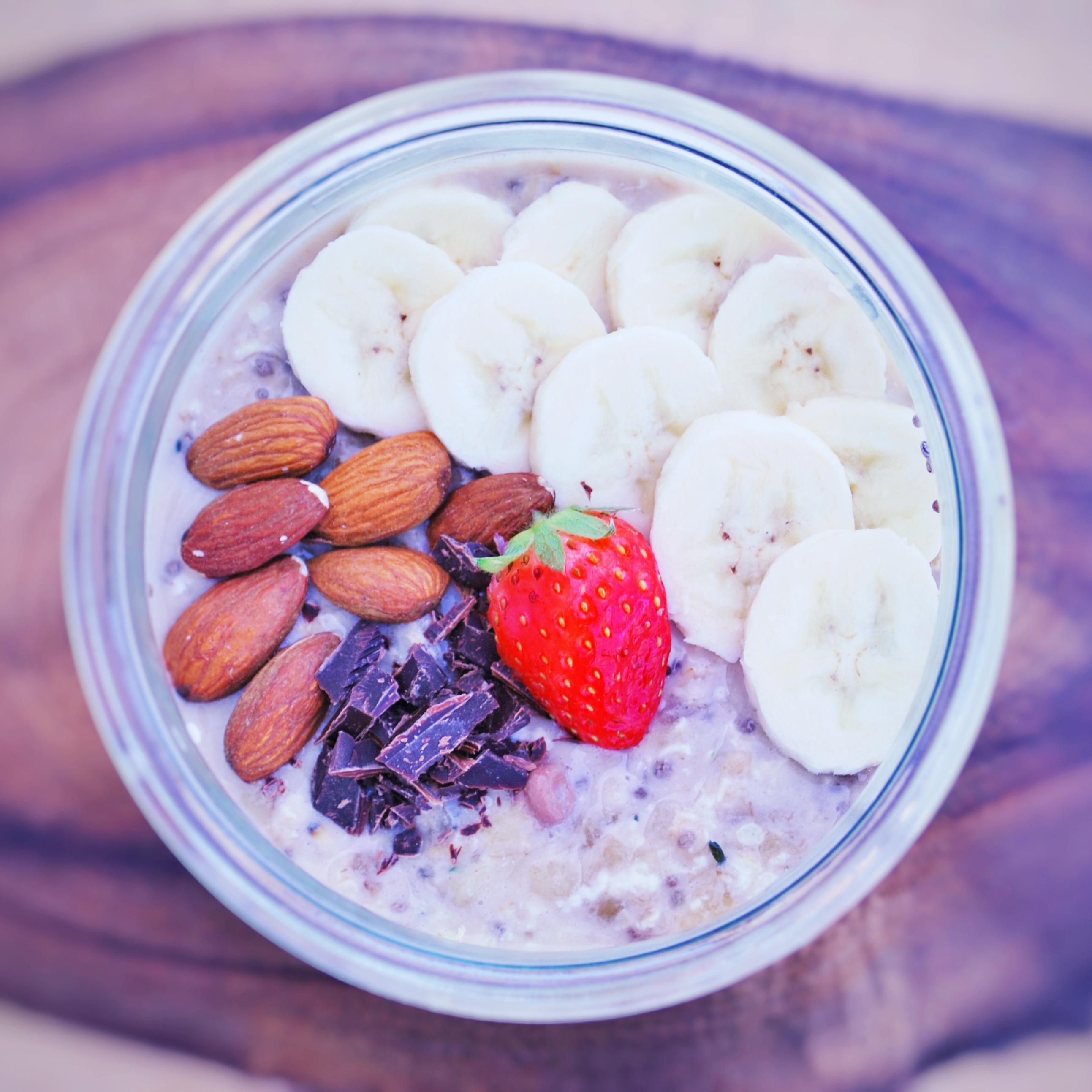 Glutenfri Overnight Oats med banan og chokolade