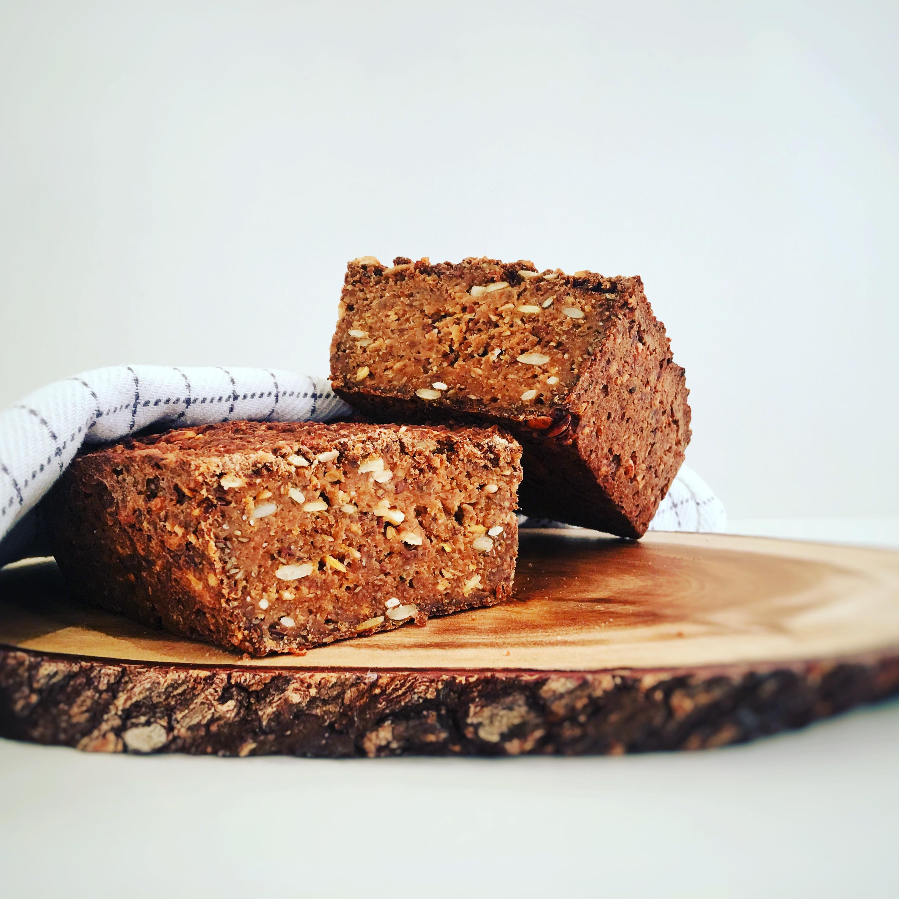 Vegansk opskrift på glutenfri rugbrød  uden laktose