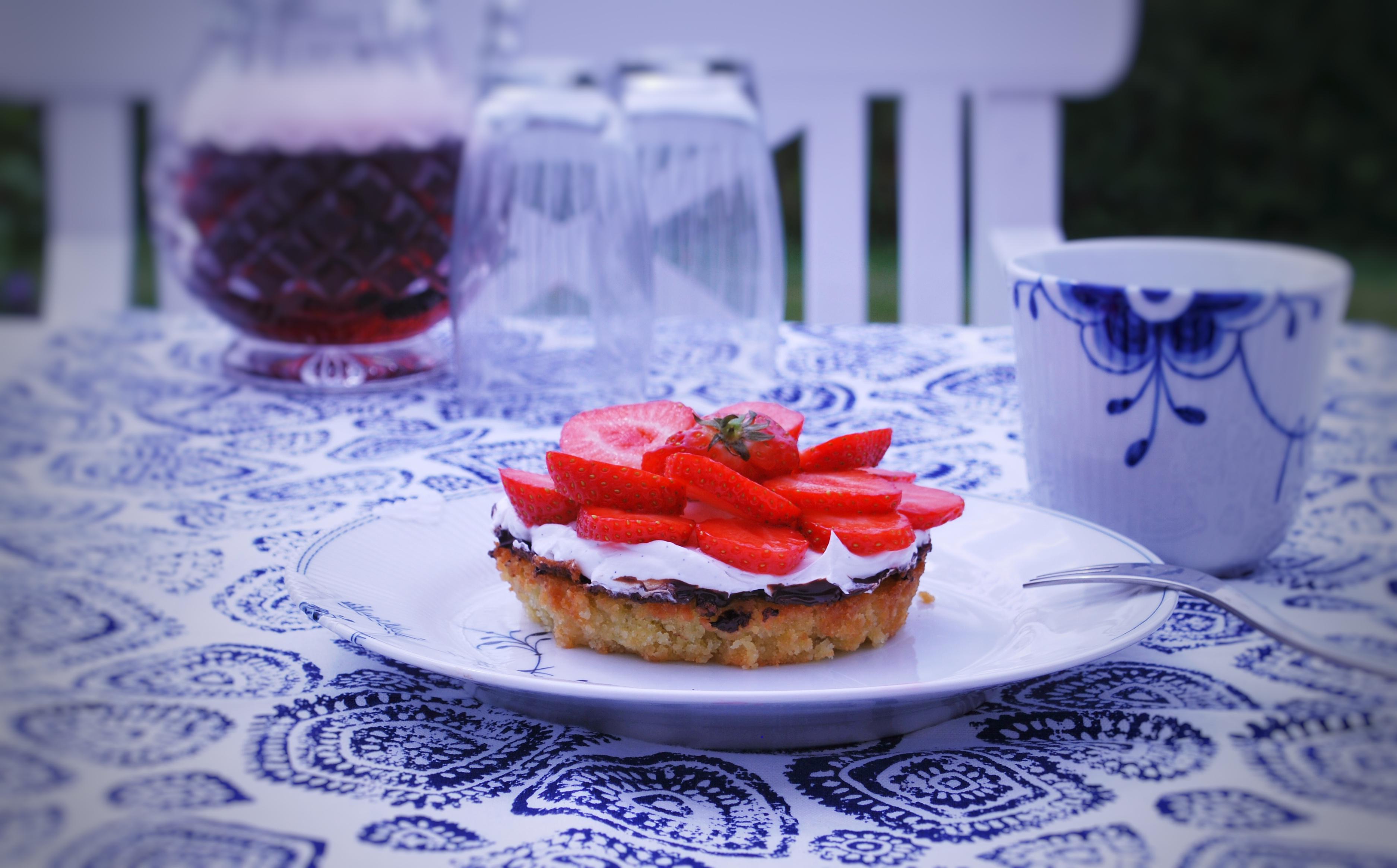 Syndig mælke- og glutenfri jordbærtærte (også vegansk)